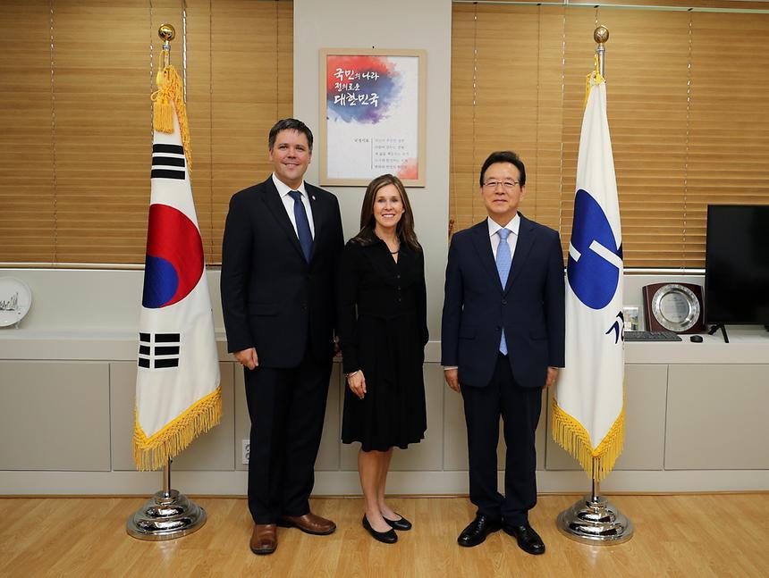정순균 강남구청장과 마틴 조지아주 상원의원
