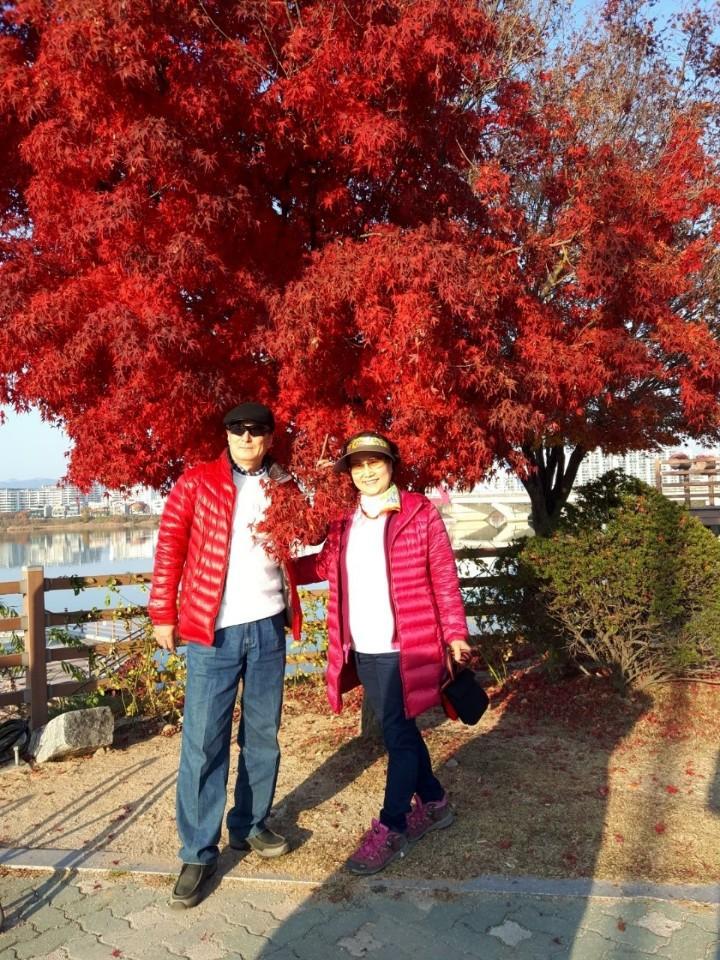 [장려상] 유찬옥-단풍처럼 불타는 가을사랑